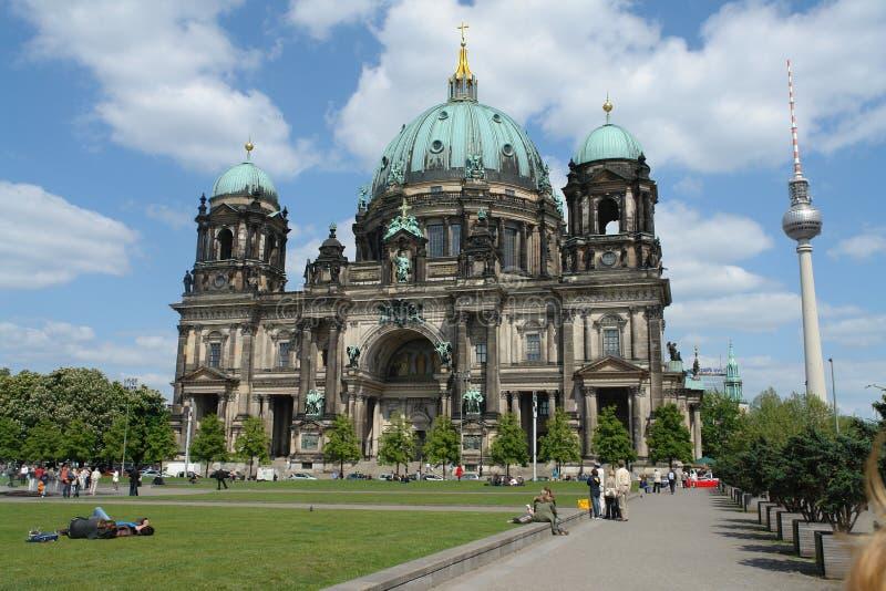 Berlin Cathedral und Berlin Fernsehturm stockbild