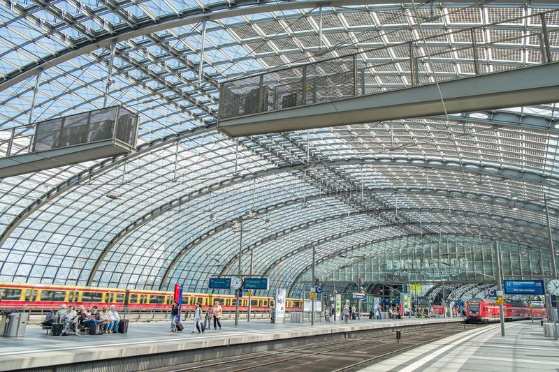 Berlin Central Train Station Germany stock afbeeldingen