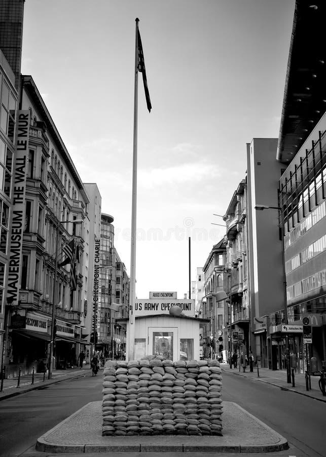berlin charlie testpunkt arkivbild