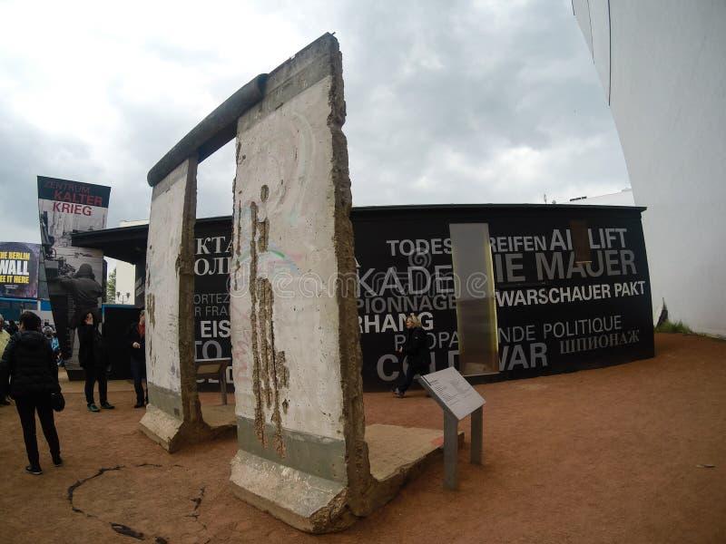 Berlin, Deutschland - 2019 Überreste Berlin Walls stockbild