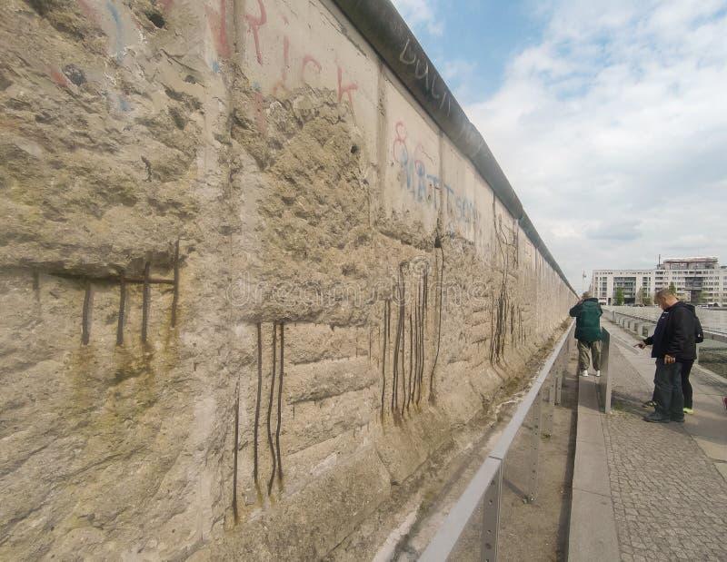 Berlin, Deutschland - 2019 Überreste Berlin Walls stockfoto