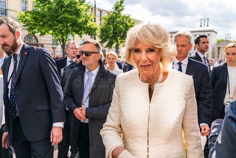 BERLIN, DEUTSCHLAND - 7. MAI 2019: Camilla, Herzogin von Cornwall, vor Brandenburger Tor lizenzfreie stockfotos