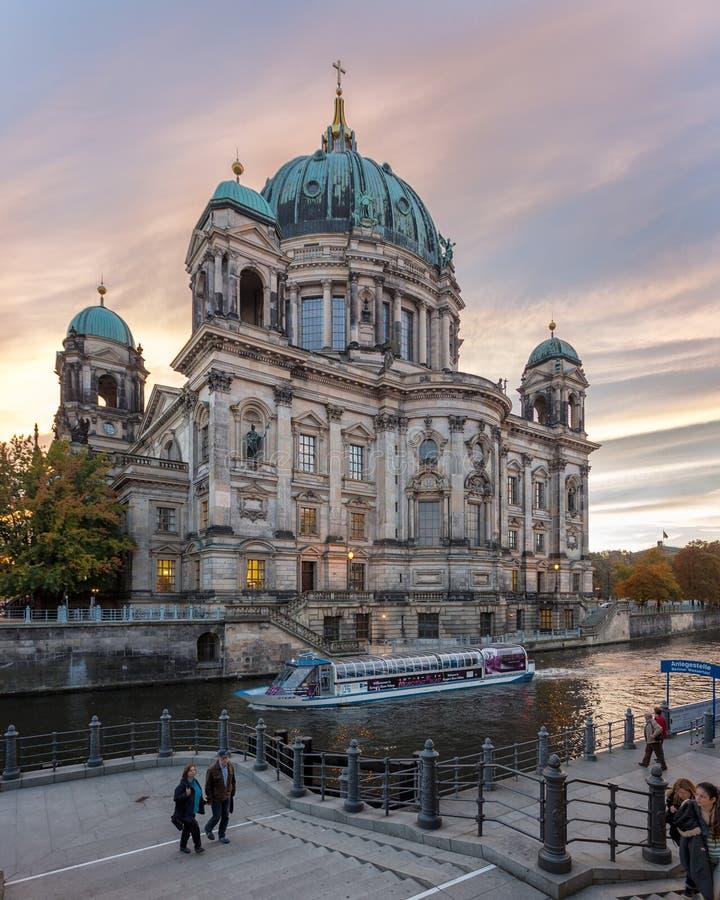 Berlin domkyrka royaltyfri foto
