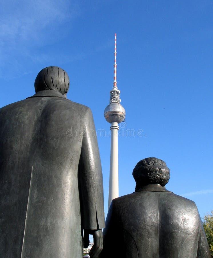 berlin engels marx royaltyfria bilder