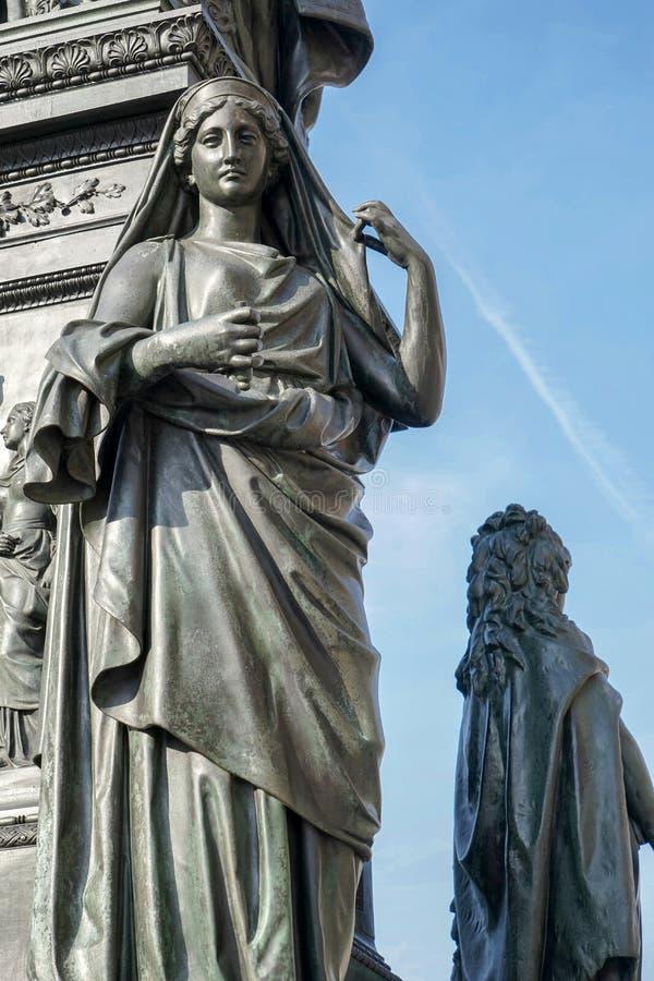 BERLIN, GERMANY/EUROPE - 15. SEPTEMBER: Detail vom Monument lizenzfreie stockfotografie