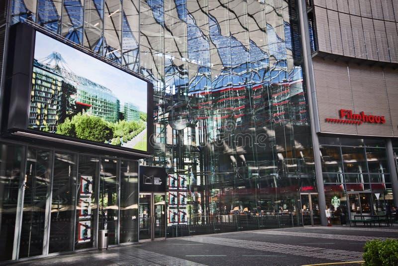 Berlin Germany - Sony Center, complejo de edificio patrocinado en Potsdamer Platz fotos de archivo libres de regalías
