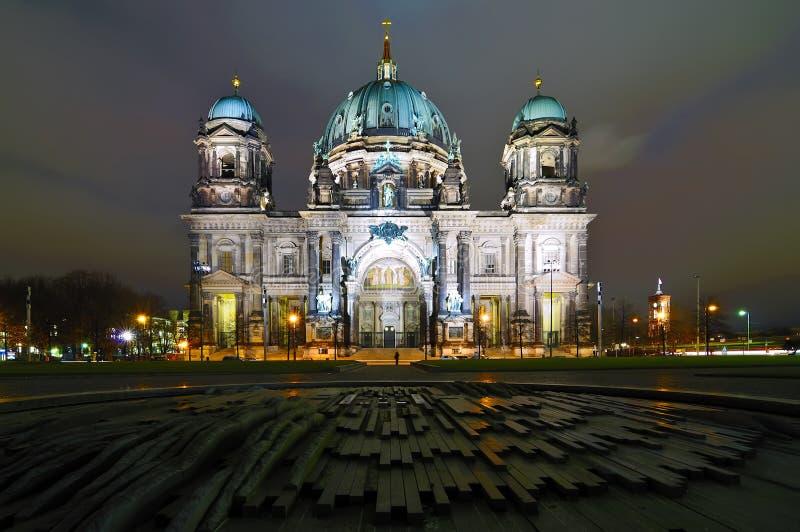 Berlin-Haube nachts lizenzfreie stockfotografie