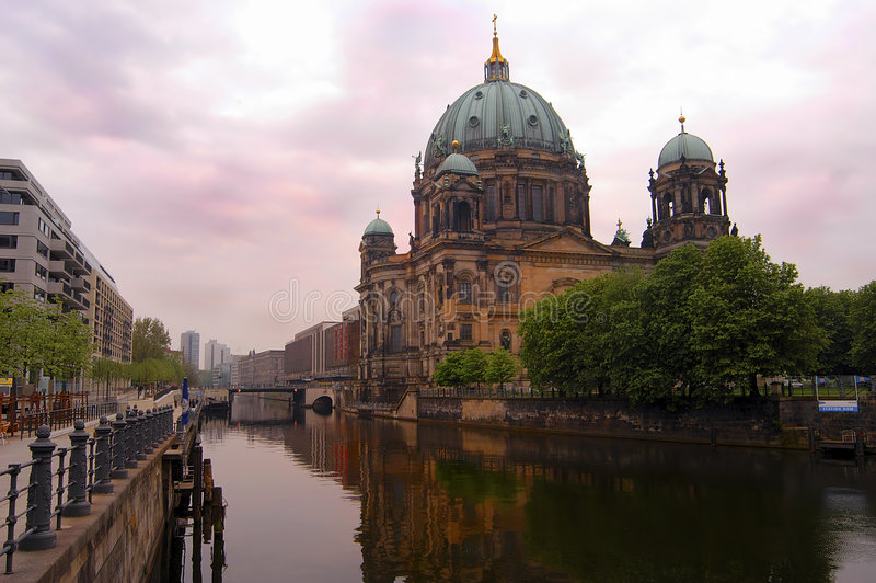 berlin kupol arkivfoton