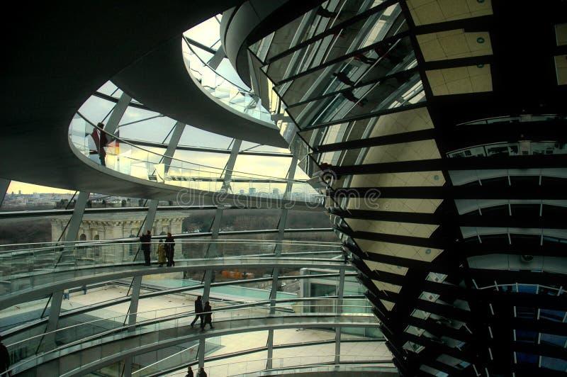 berlin kupolreichstag arkivfoto