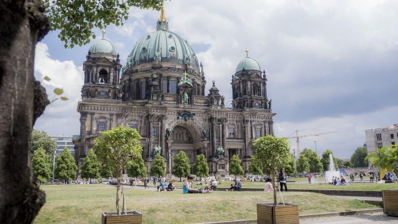 Berlin Landmark : Vieille architecture en parc photos libres de droits