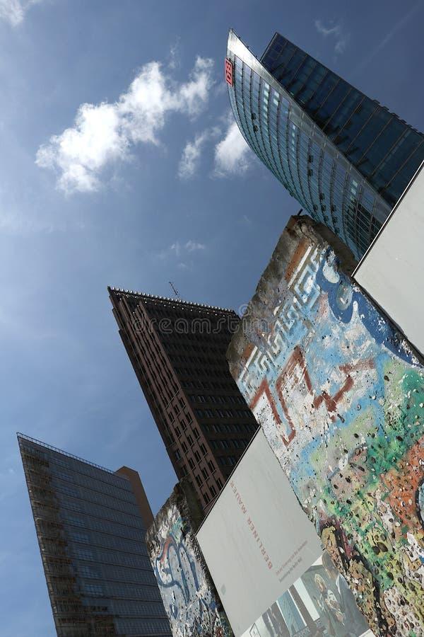 berlin 06/14/2018 Neue Turmgebäude lizenzfreie stockfotografie