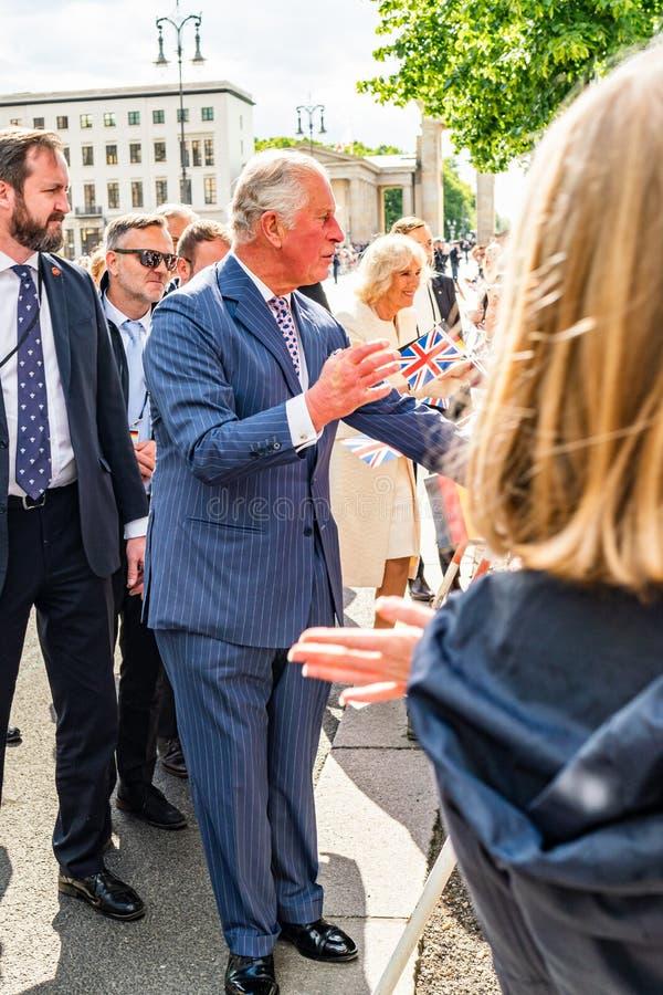 BERLIN NIEMCY, MAJ, - 7, 2019: Charles i Camilla, książę walii, Duchess Cornwall, przed Brandenburg bramą zdjęcia stock