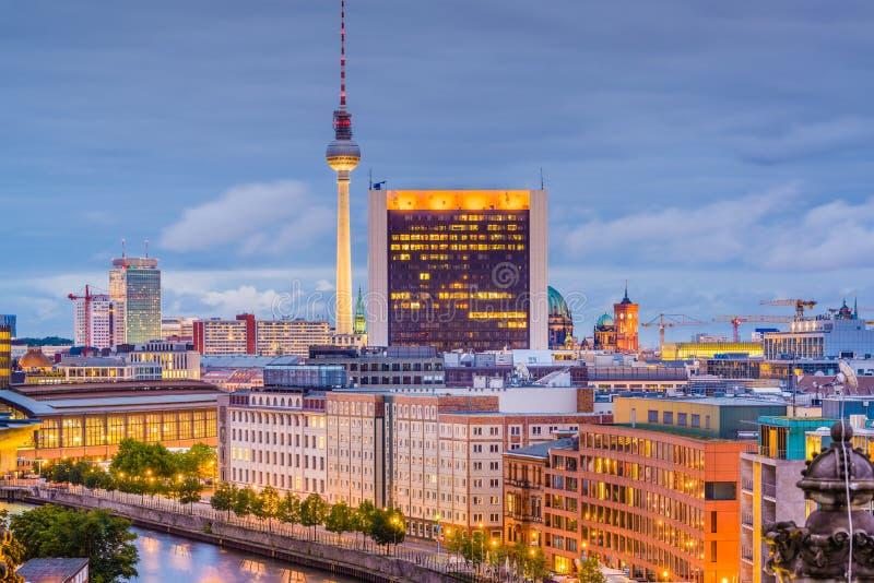 Berlin, Niemcy miasto linia horyzontu obrazy stock