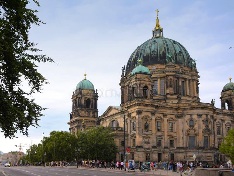 Berlin, Niemcy, Sierpień 24: Berlińczyków Dom, Berlińska katedra, buil obrazy stock