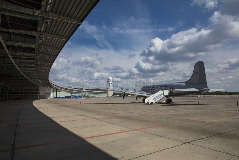 Berlin, Niemcy, Sierpień 2018; Poprzedni Berliński Tempelhof lotnisko zdjęcie stock