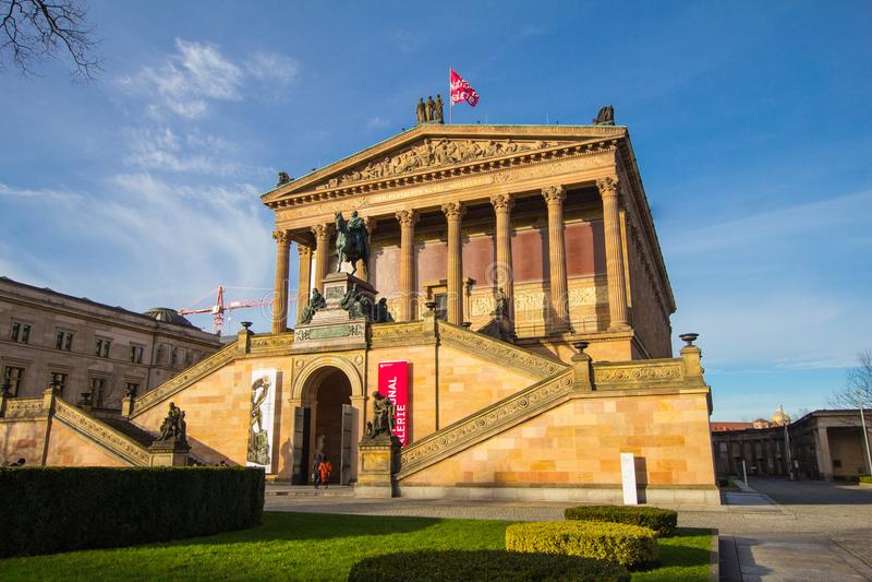 BERLIN, NIEMCY - 6 2017 Styczeń: Alte Nationalgalerie znaczy Stary national gallery w Museumsinsel znaczeniu zdjęcia stock