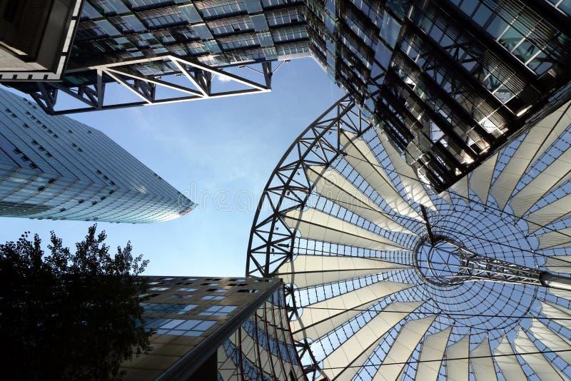 berlin 06/14/2018 Nowo?ytna architektura Sony centrum przy Potsdamer Platz obrazy royalty free