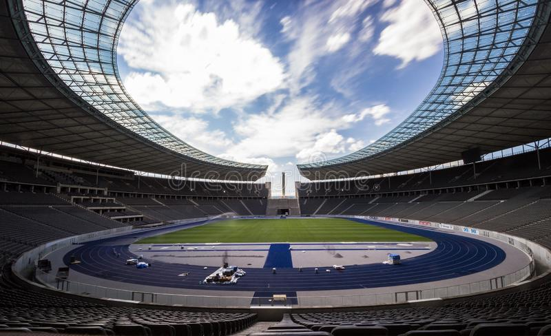 Berlin Olympia Stadium den aktuella Olympiastadionen byggdes ursprungligen för de 1936 sommarOS:erna arkivbild
