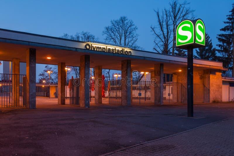 Berlin Olympiastadion station arkivfoton