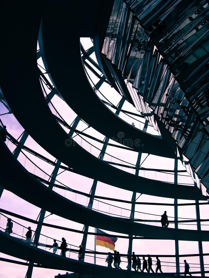 Berlin - Reichstag Haube lizenzfreie stockbilder
