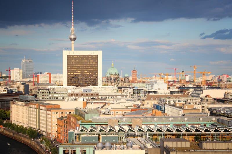 Berlin Skyline royaltyfri bild