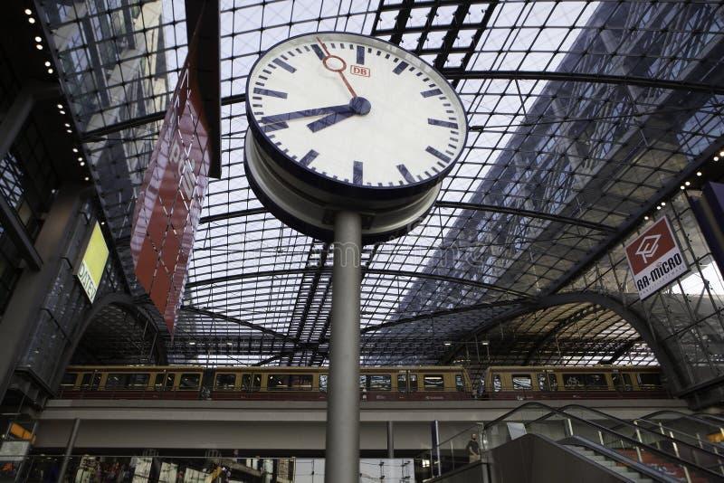 Berlin taborowa główna stacja Hauptbahnhof fotografia stock