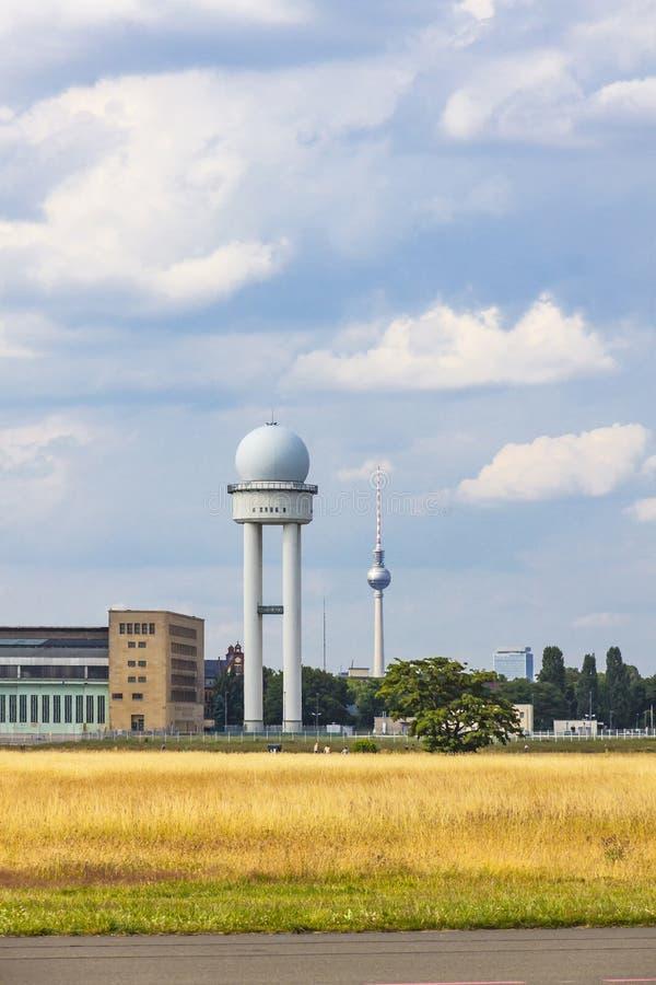 Berlin Tempelhof Airport, precedente aeroporto di Berlino, Germania fotografia stock libera da diritti