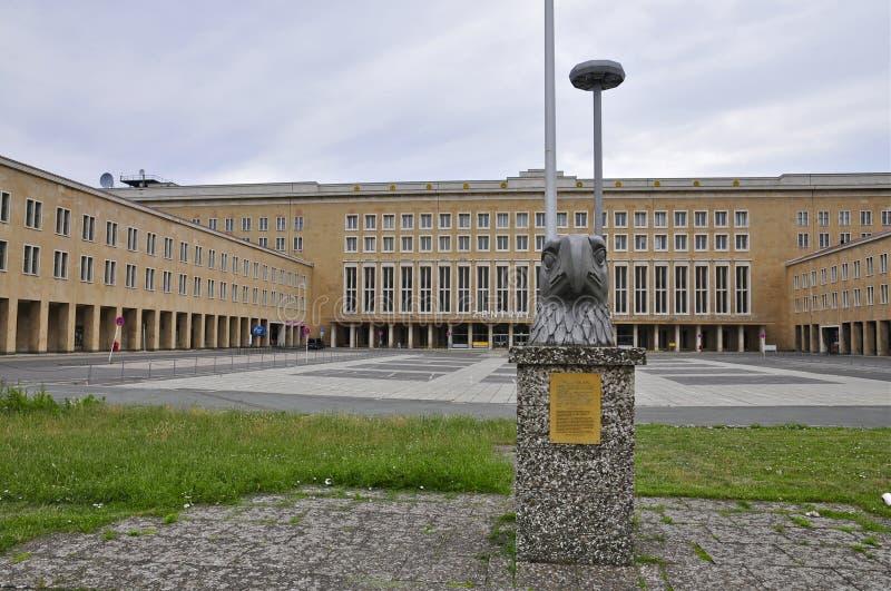 Berlin Tempelhof Airport storico: Eagle Square immagine stock libera da diritti