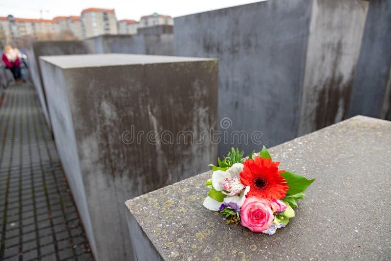 BERLIN TYSKLAND - DEC 1, 2018: Berlin Wall och den judiska minnesmärken, Berlin, Tyskland arkivfoto