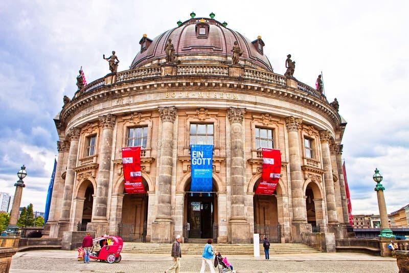Berlin varslar museet på museumön arkivfoton