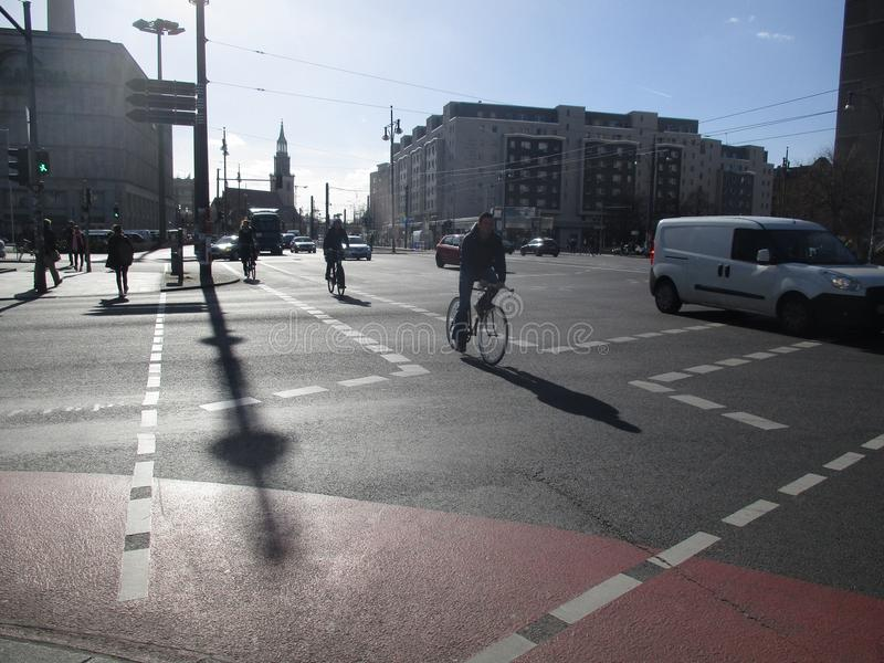 Berlin, voies pour bicyclettes photos libres de droits