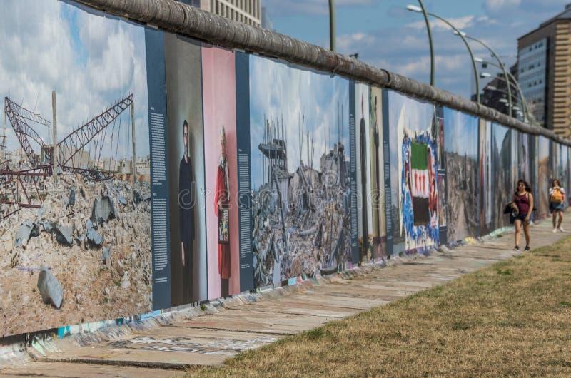 Berlin Wall, en historisk gränsmärke arkivfoton