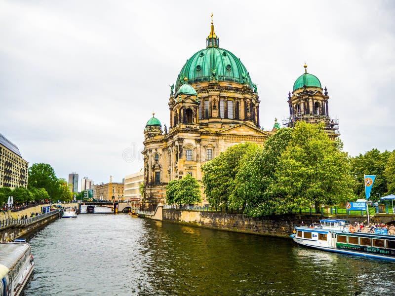 Berliner dom Weergeven van Friedrichsbrà ¼ cke stock afbeelding