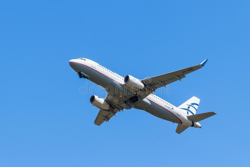 BERLINO, GERMANIA - 7 LUGLIO 2018: Aegean Airlines, Airbus A320-232 immagine stock libera da diritti