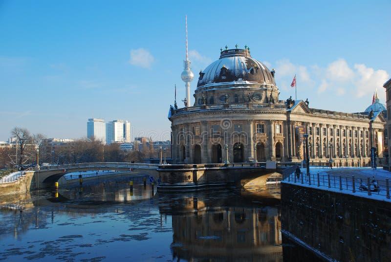 Berlino in inverno. Museo preannunciato fotografia stock libera da diritti