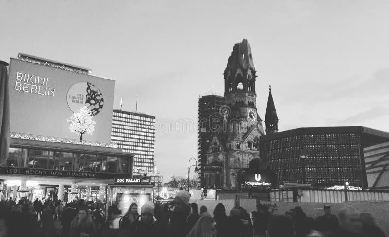 ¼ Berlins Kurfà rstendamm lizenzfreie stockfotos