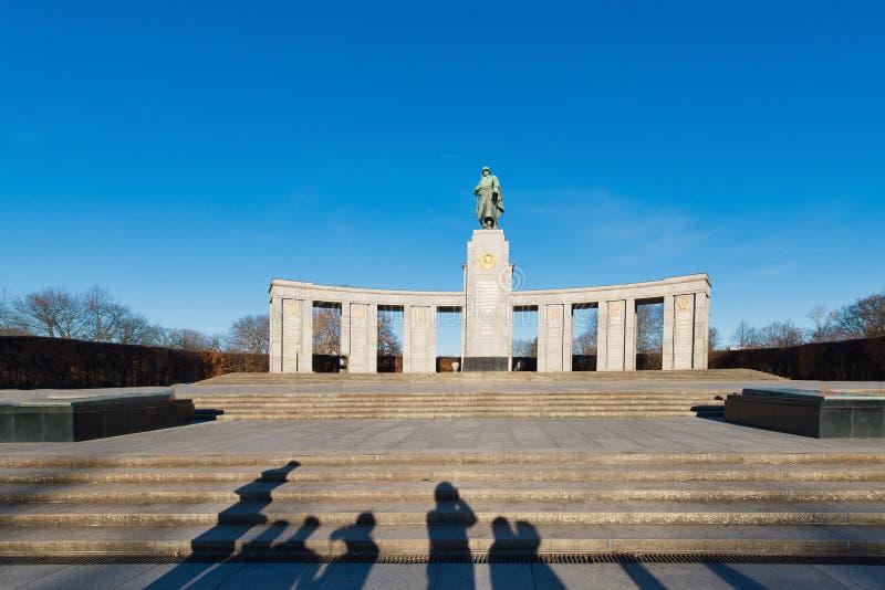 berlitz 对苏维埃的纪念碑下落有sha的蒂尔加滕 免版税库存照片