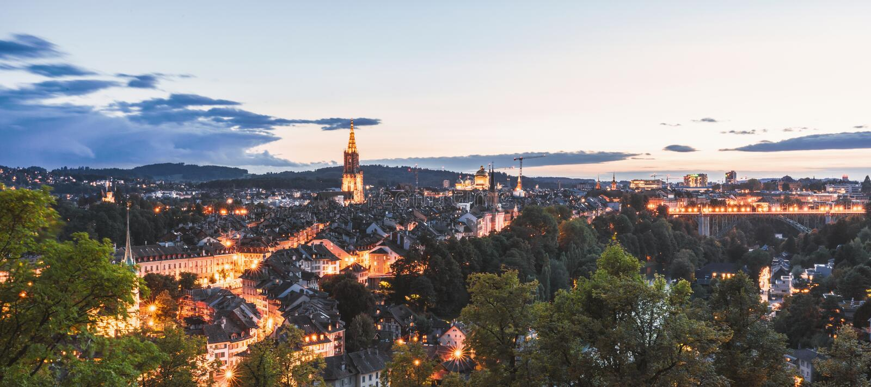 Bern bij nacht royalty-vrije stock afbeelding