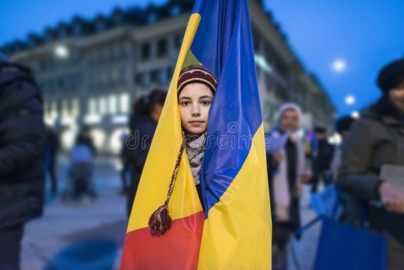 Berna, il 10 febbraio 2017 Protesti per solidarietà con la protesta contro il governo a Bucarest fotografia stock libera da diritti