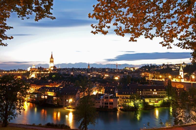 Berna, Suiza en la oscuridad foto de archivo libre de regalías