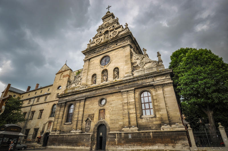 Bernardine Church en Klooster in Lviv, de Oekraïne royalty-vrije stock afbeelding