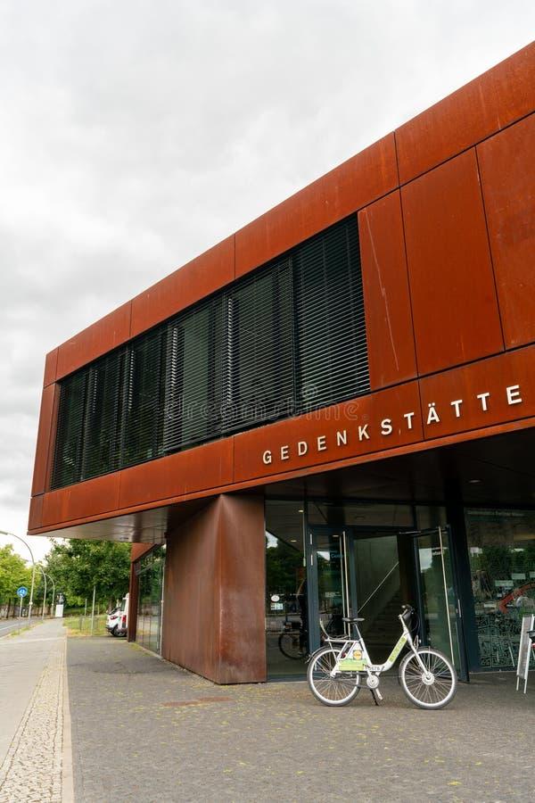 Bernauer Strasse, Berlin, Deutschland - 7. Juli 2019: Berliner Mauer Besuchermitte Gedenkstätte stockfoto