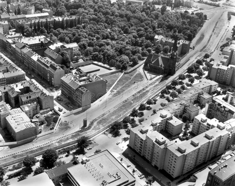 Bernauer Strasse in Oost-Berlijn van de Lucht royalty-vrije stock afbeelding