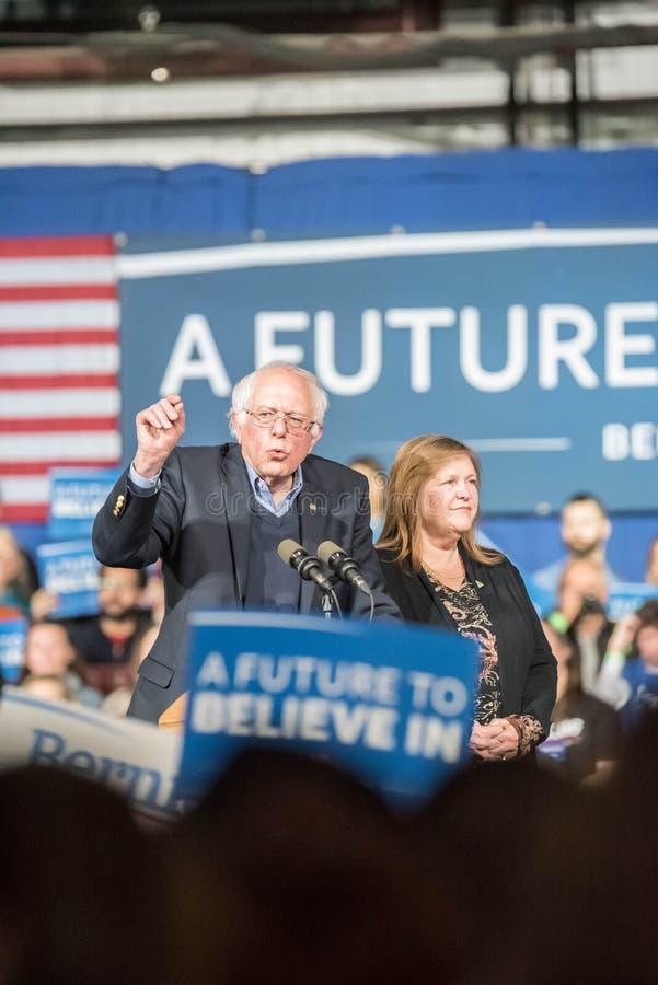 Bernie Sanders Super Tuesday stockbild