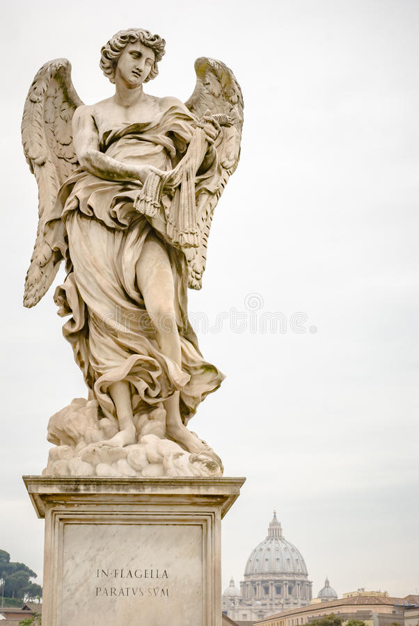 Bernini ängel på den ponteSant `en Angelo i Rome arkivbild