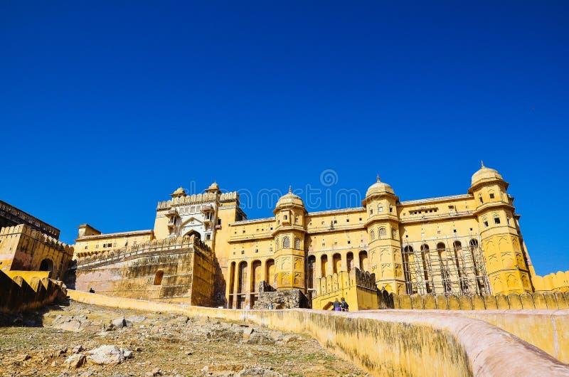 Bernsteinfarbiges Fort in Jaipur Indien lizenzfreie stockbilder