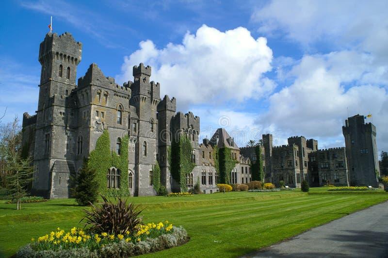 Beroemd Ashford-Kasteel, Provincie Mayo, Ierland. stock afbeeldingen