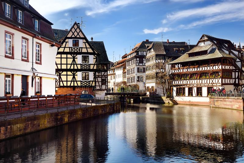 Beroemd districts` La Petite France ` in Straatsburg stock foto