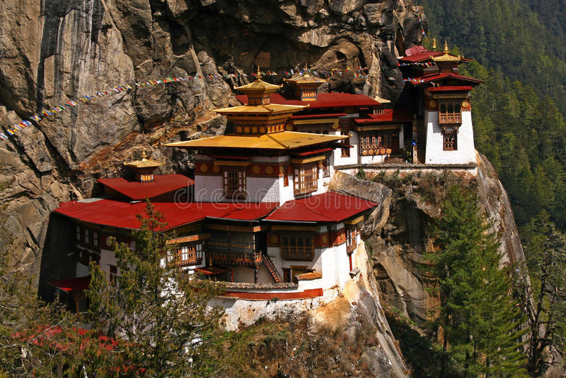 Beroemd klooster Taktshang in Bhutan stock foto's