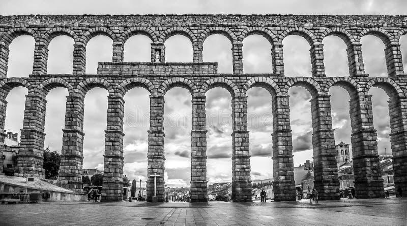 Beroemd oud aquaduct in Segovia, Castilla en Leon, Spanje stock foto